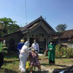 Monitoring Kepala Puskesmas Tembelang Kegiatan Swab di desa Kedung Losari Tembelang